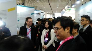 智慧城市展行政院陳副院長與龔政務委員蒞臨環球睿視展區了解AI最新科技趨勢