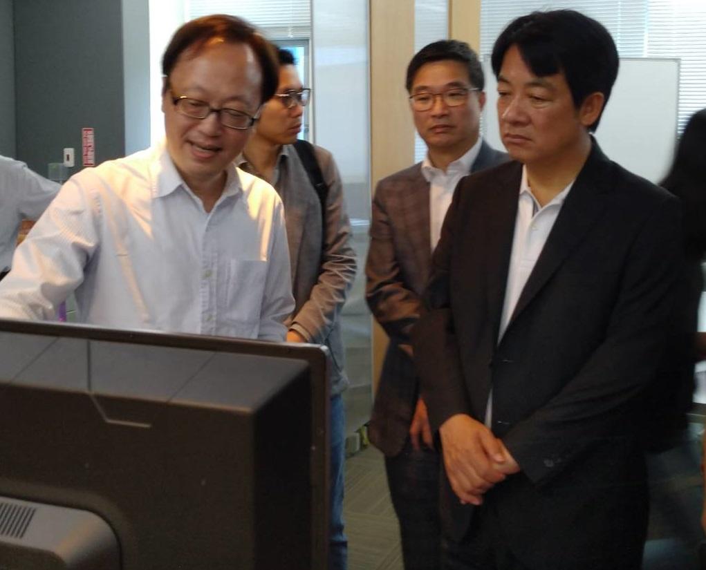 前行政院長蒞臨參訪環球睿視公司關心了解台灣AI科技最新發展及應用